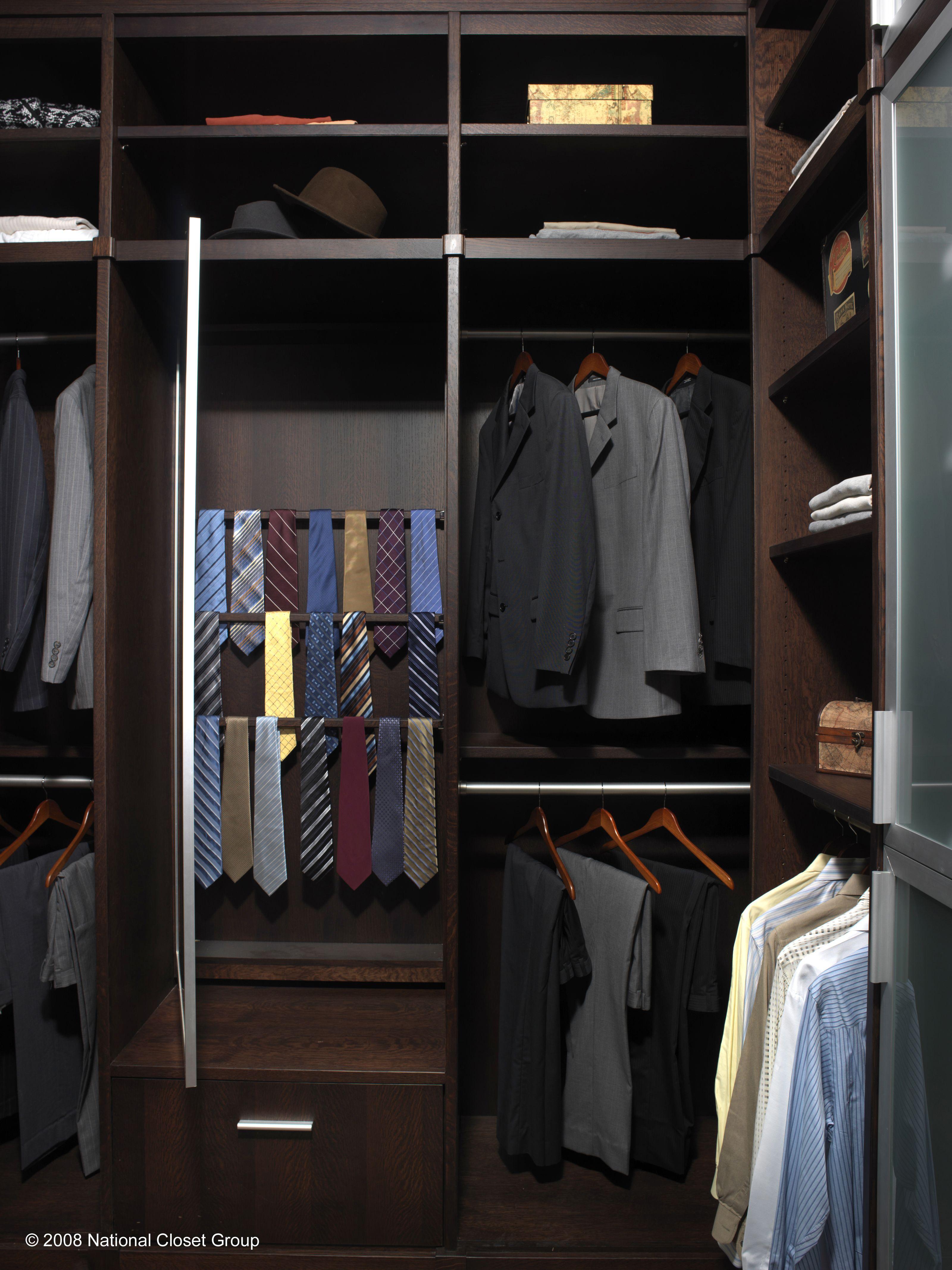 Custom Closets To Die For// Www.spacemanager.com #closet #customcloset