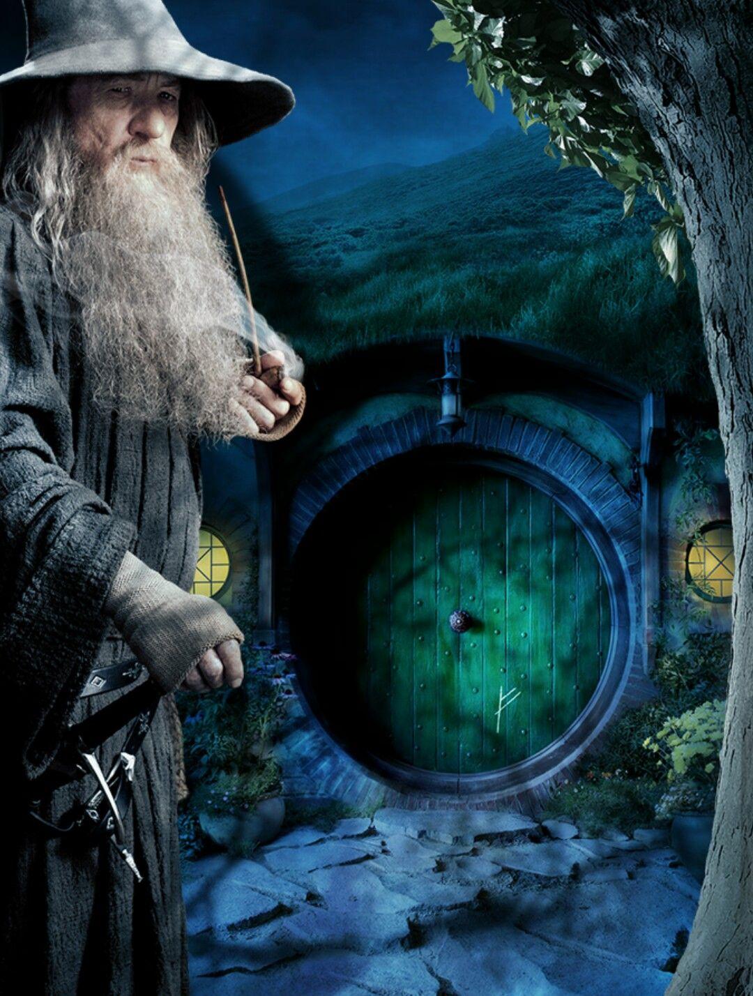Gandalf at Bilbo's door!