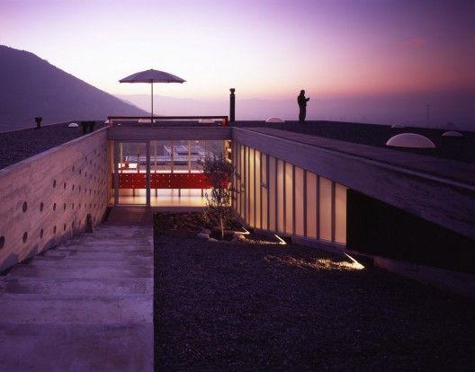 Guthrie House / Felipe Assadi & Francisca Pulido    Architects: Felipe Assadi & Francisca Pulido  Location: Chicureo, Santiago, Chile