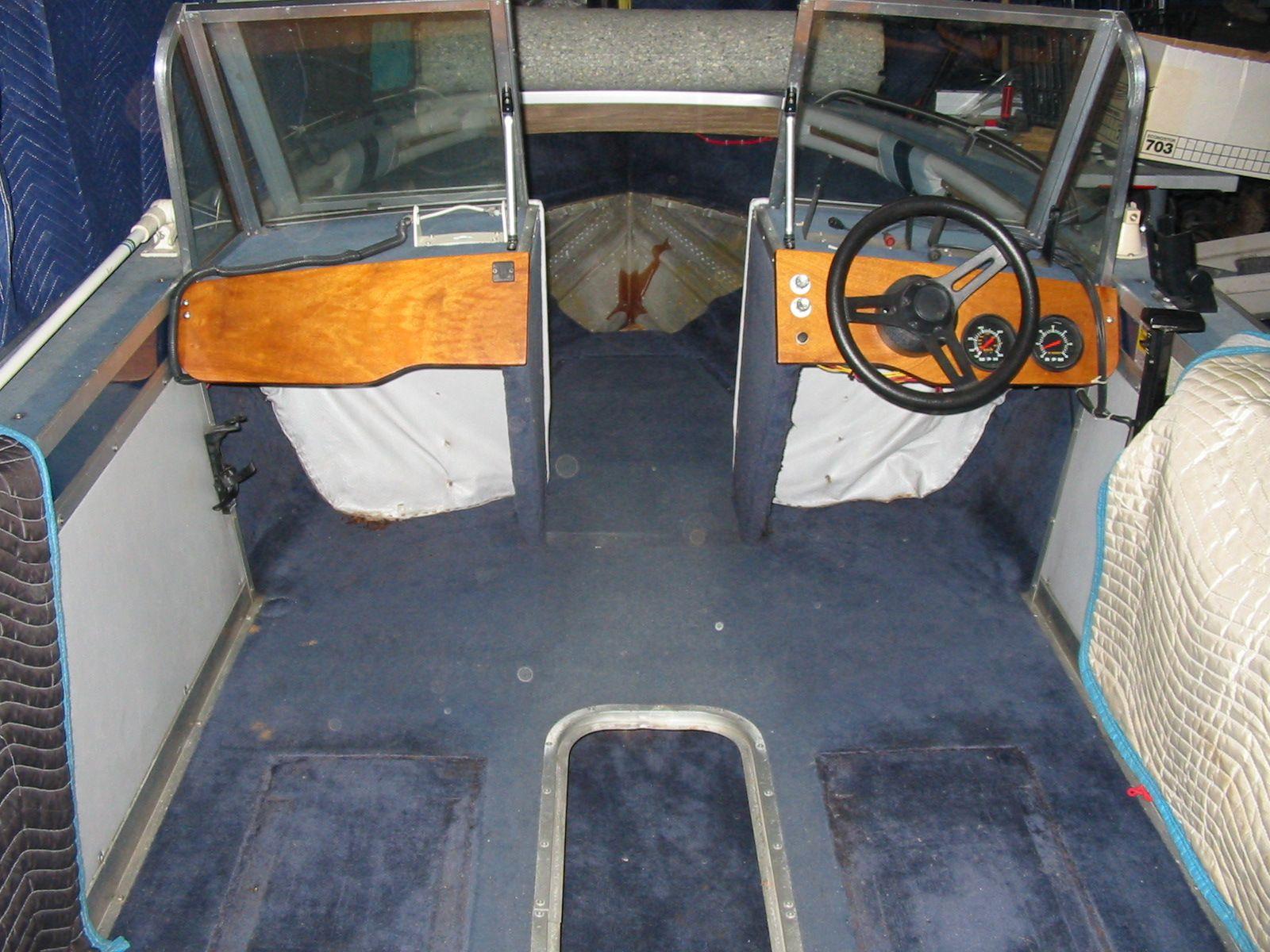 1987 Smoker Craft Challenger Replacing Boat Floor Seats Removed For Floor Replacement Smoker Craft Floor Seating Flooring