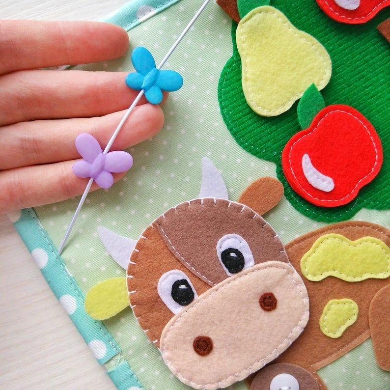Quiet Book Toddler Tablet About The Farm And Pets Felt Barn Cow Sheep Goose Collect Fruit From Felt Montessori Toy En 2020 Libros De Tela Juguetes Montessori Manualidades