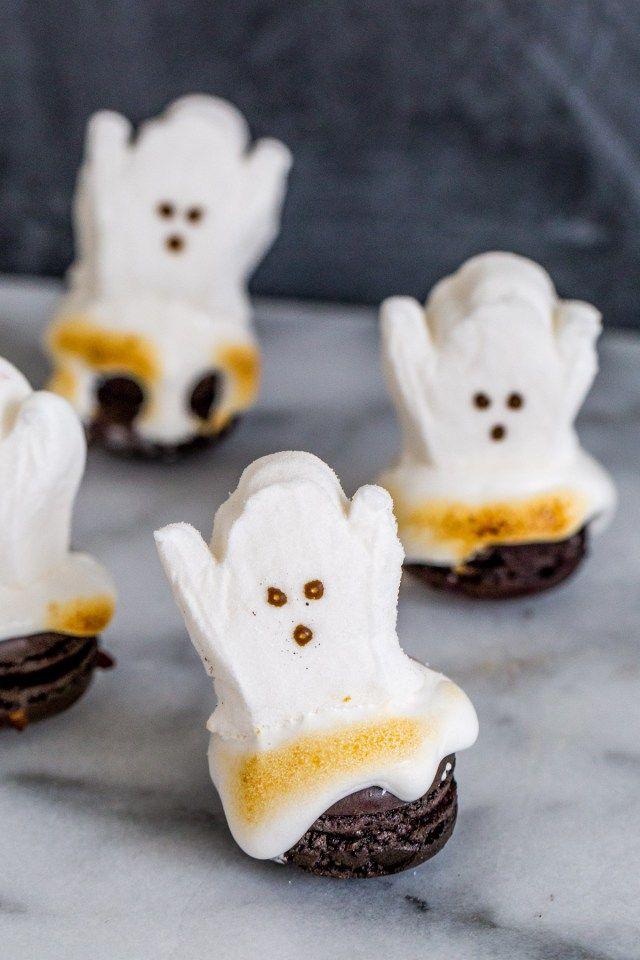 Easy Halloween Dessert: DIY Ghost Macarons - Sugar & Cloth