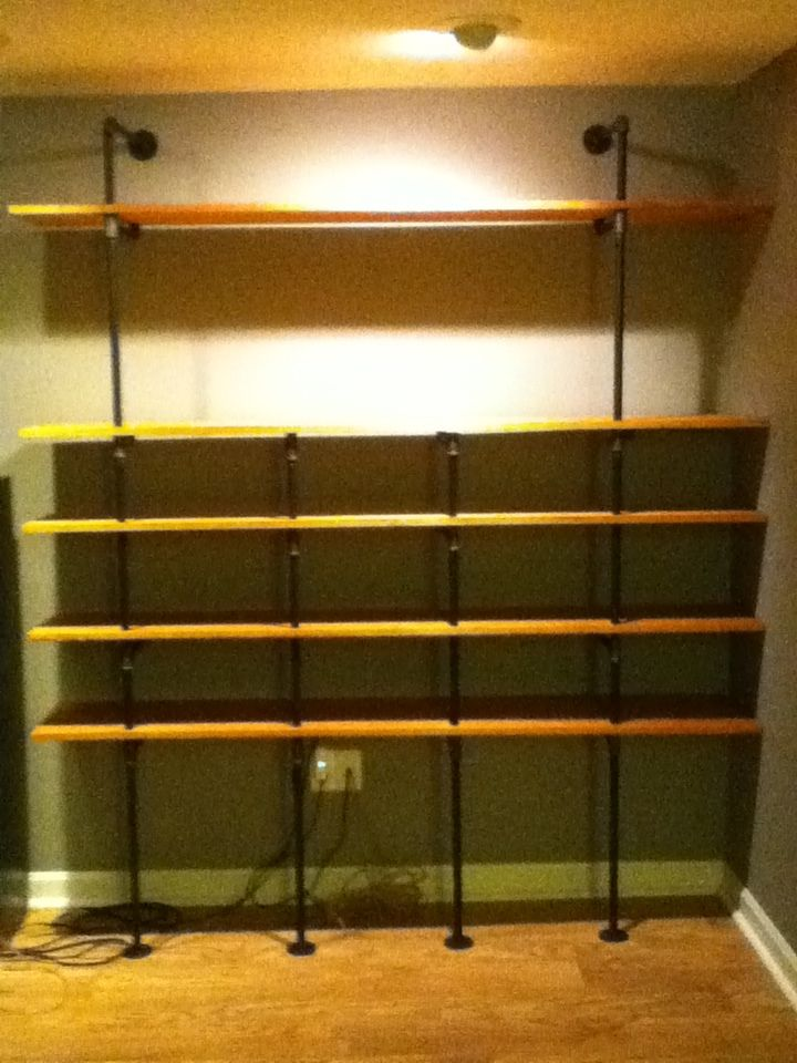 Floating bookshelves for wall pipes another diy pipe shelf casa floating bookshelves for wall pipes another diy pipe shelf casa di vece solutioingenieria Choice Image