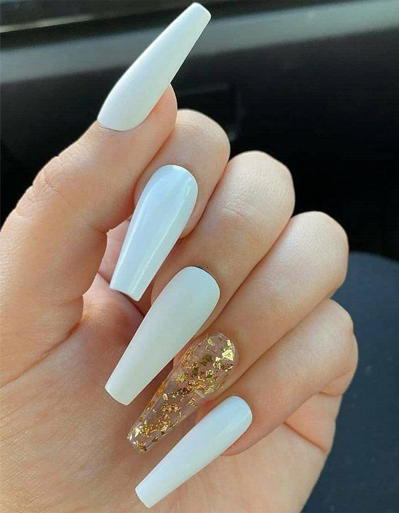 Charming White Nail Designs For Your Next Trip In 2020 Stylesmod In 2020 White Acrylic Nails Long Acrylic Nails Swag Nails