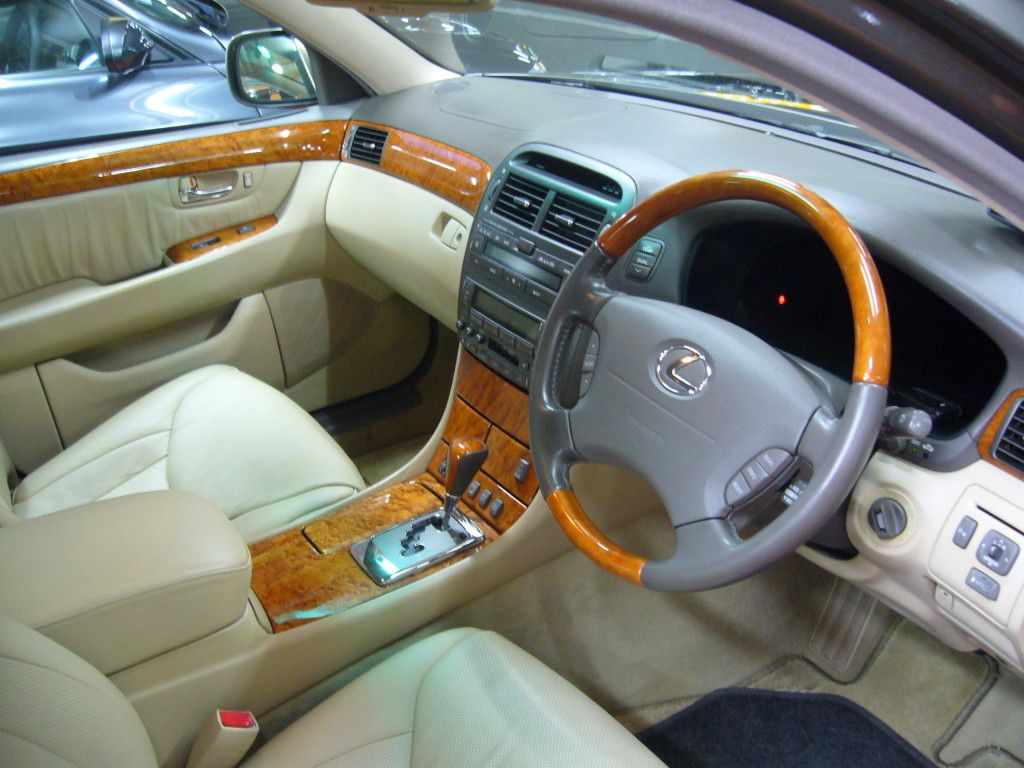 hight resolution of lexus ls430 interior