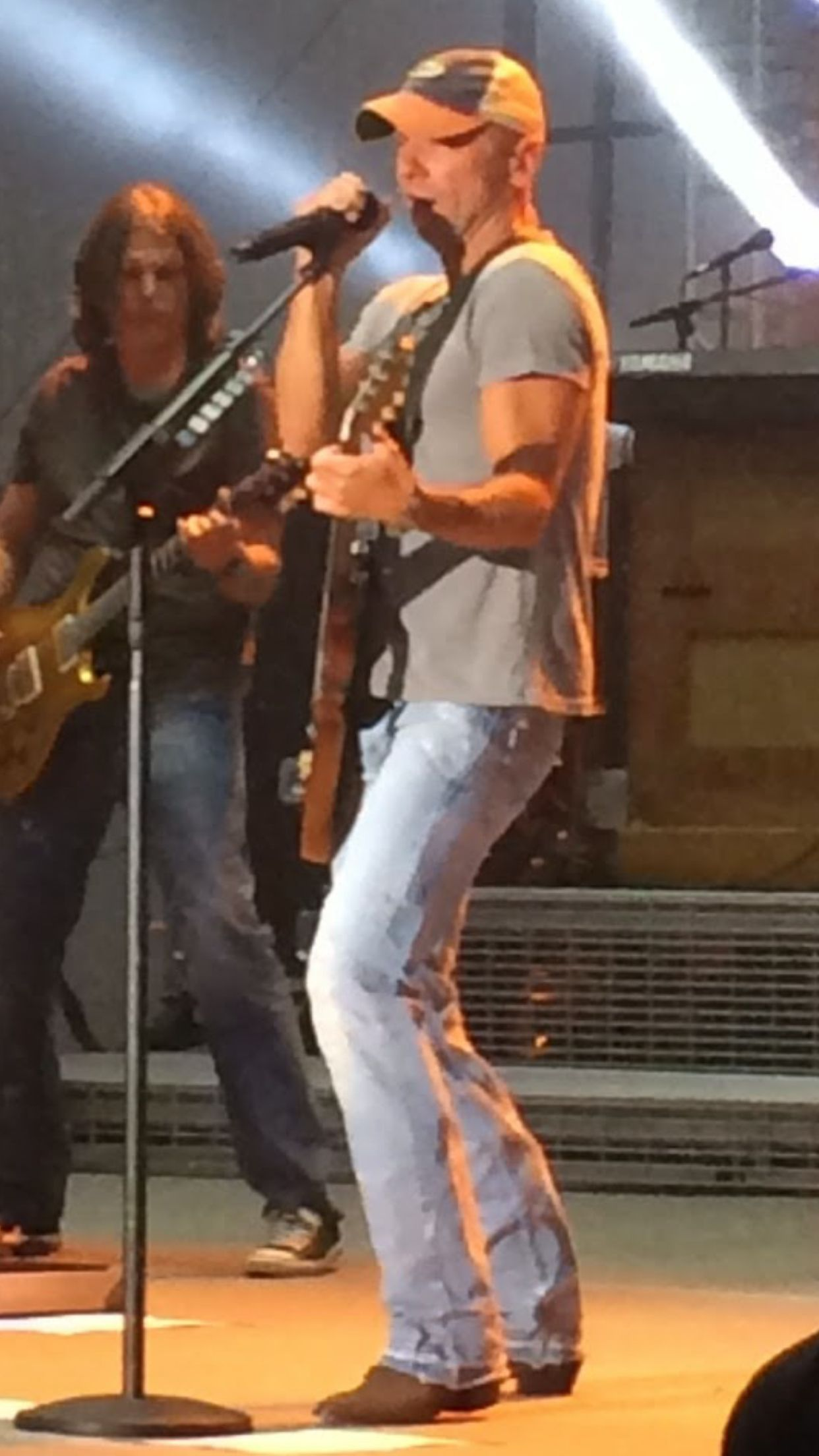KC in 2019 Kenney chesney, Kenny chesney, Country