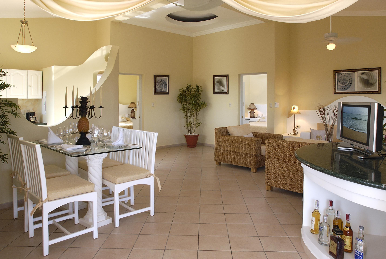 Crown Suite Suites, Luxury concierge services, Residences
