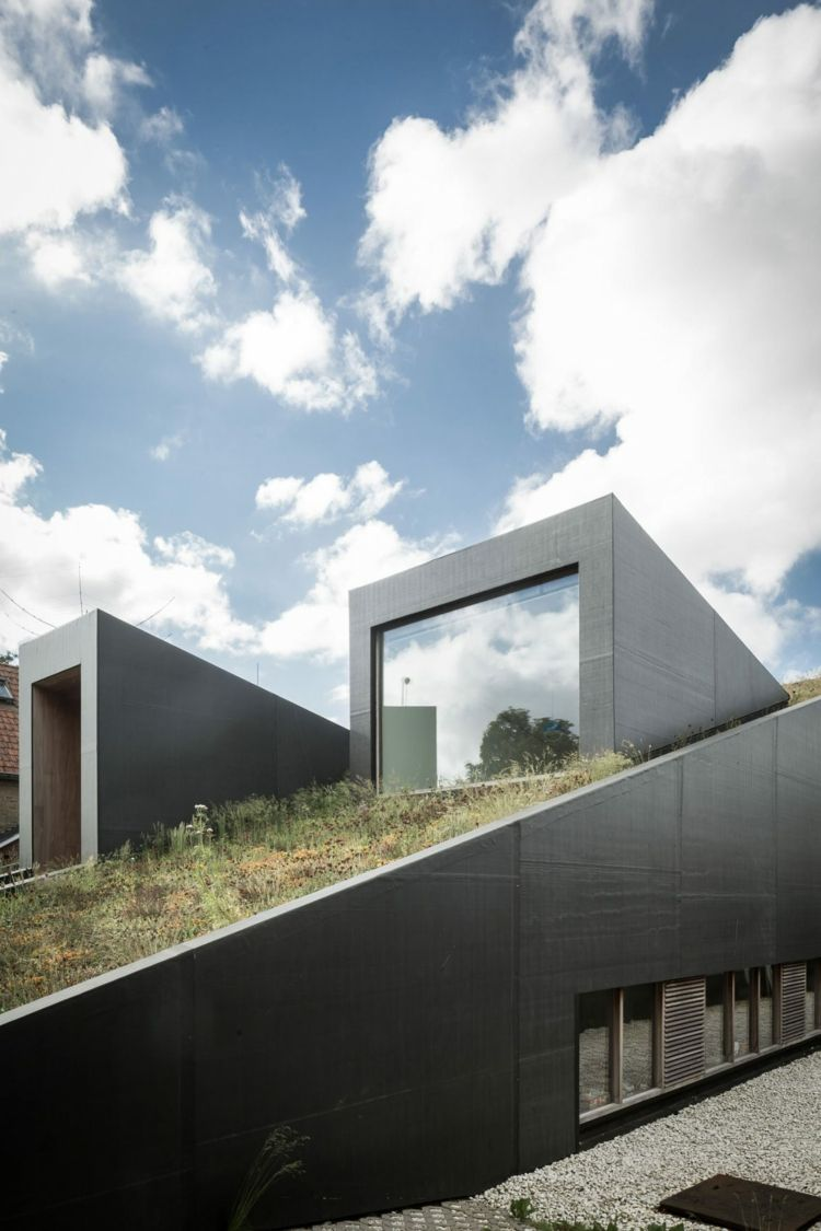 versetzte ebenen holz fussboden dachschraege design, versetzte ebenen mit holz fußboden und dachschräge | architektur, Design ideen