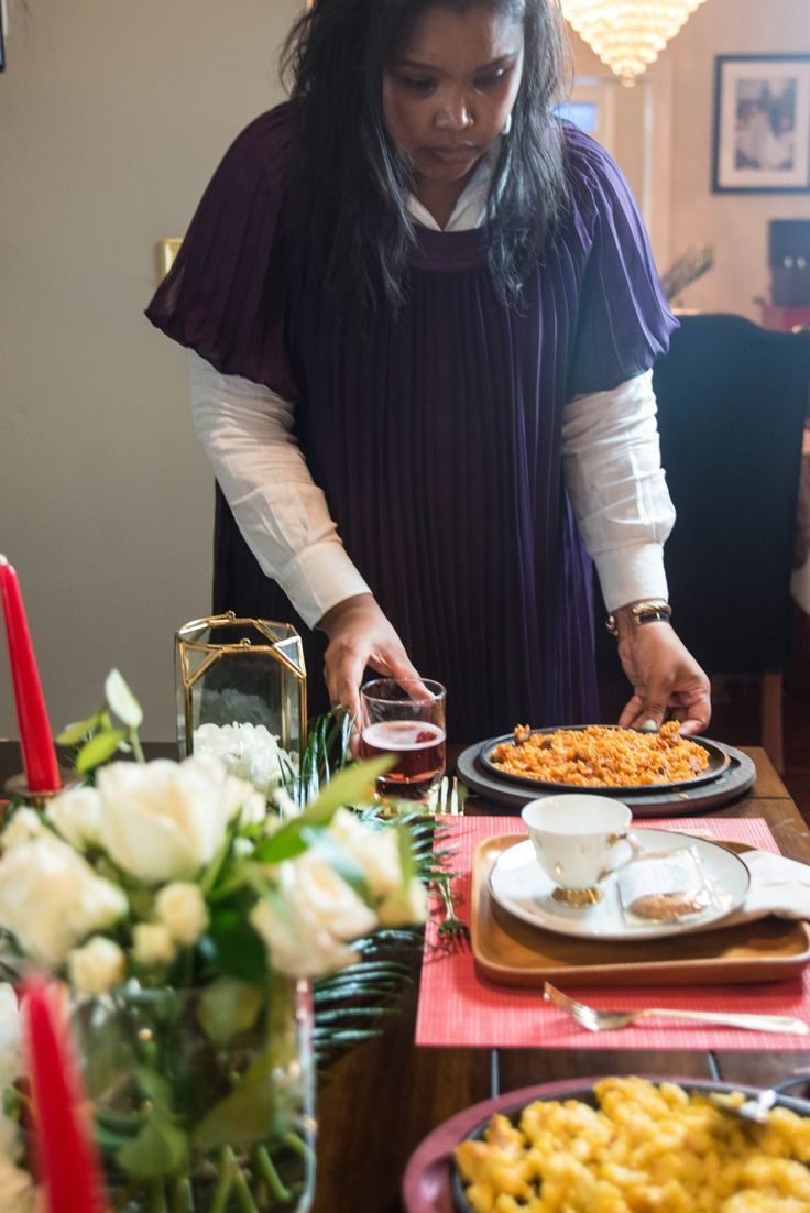 Entertaining Christmas Cast.Tips For Cast Iron Entertaining This Holiday Season