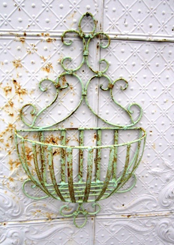 Wrought Iron Small 28 Susanne Wall Basket Flower Planter Pot