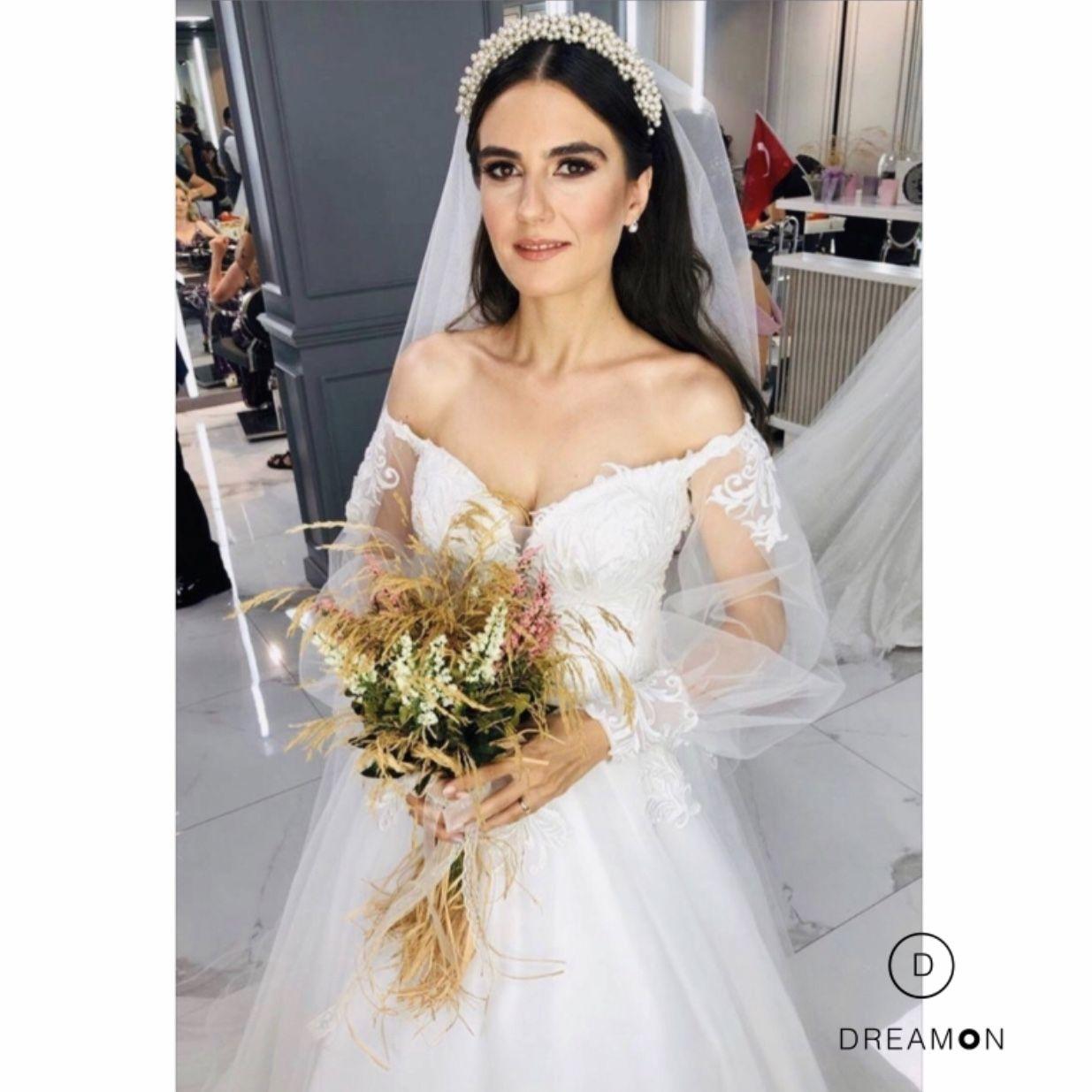 Jacopo Balon Kollu Gogus Dekolteli Helen Gelinlik Modeli Dreamon Com Tr Gelinlik The Dress Dantel Gelinlik