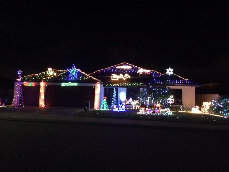 Christmas Lights Perth No 1 Free Online Guide For Wa Families Http Www Buggybu Best Christmas Light Displays Best Christmas Lights Christmas Light Displays