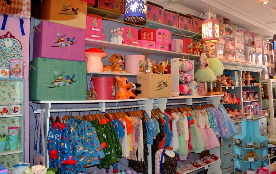 de kikkerkoning den haag speelgoed en kinderkleding shopping for kids in the hague. Black Bedroom Furniture Sets. Home Design Ideas