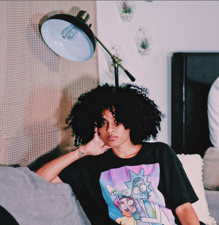 #rickandmorty #rickandmortyshirt #curlyhair #curls #holidaycurls #holidayhair #esthetics #curlyfro #afrolatina #kinkycurlyhair #naturalbeauty #naturalhair #naturalhairstyles #vscofilter #curlyhairproducts #3chair #4ahair  #naturalhaircare