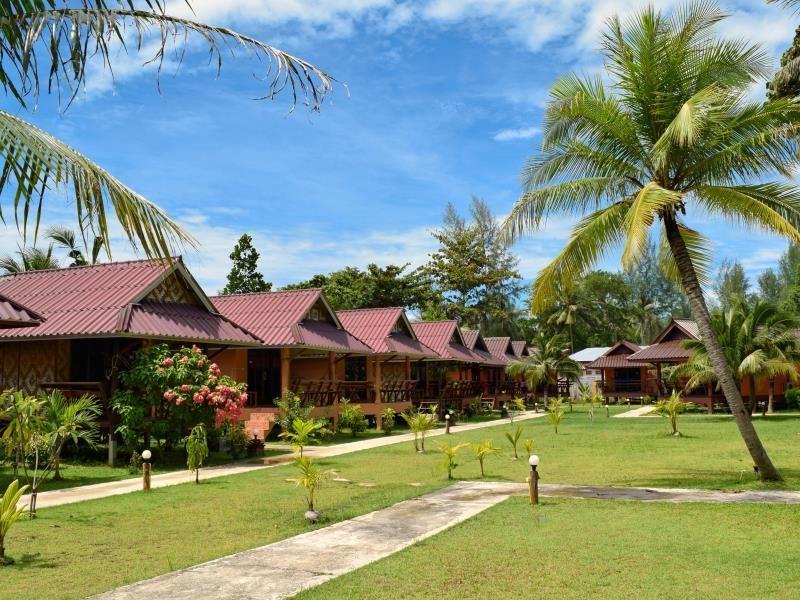 Koh Lanta Lanta Pearl Beach Resort Thailand Asia Lanta Pearl Beach Resort Is Perfectly Located For Both Business And Leisure Guests In Koh Lanta Both Business