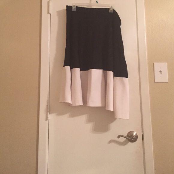 Brand new never worn black skirt. Brand new circle skirt by hot plus designer Eloquii. Be hot this fall/winter. Eloquii Skirts Circle & Skater