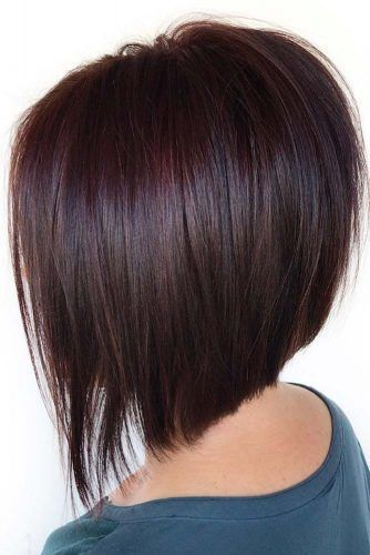 A Stylish Mahogany Hair Trend That You Should Try