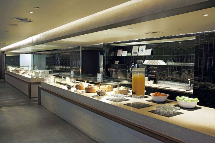 Bigger Better Oneworld Lounge At Lax Photos Travelskills Business Class Lounge New Kitchen Lounge