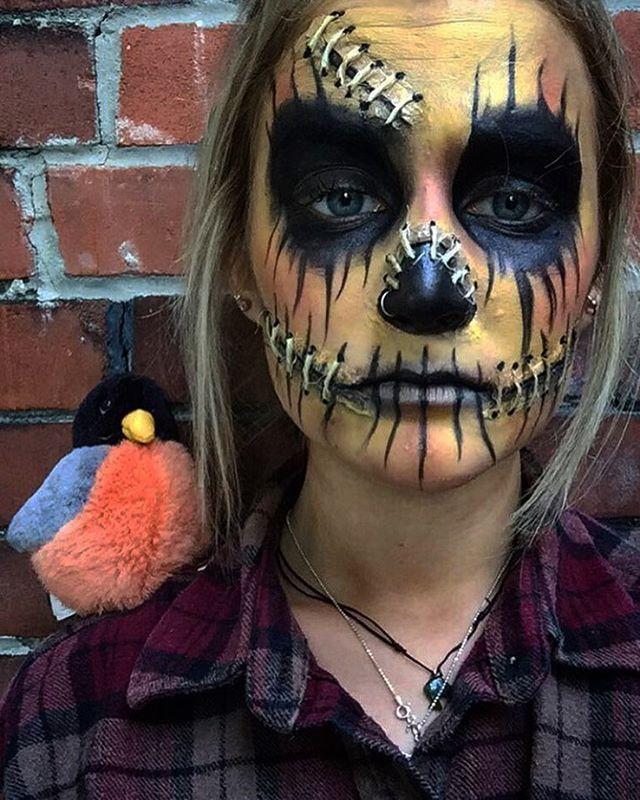 """Masha Tselooussova on Instagram: """"I had one job as a scarecrow..."""