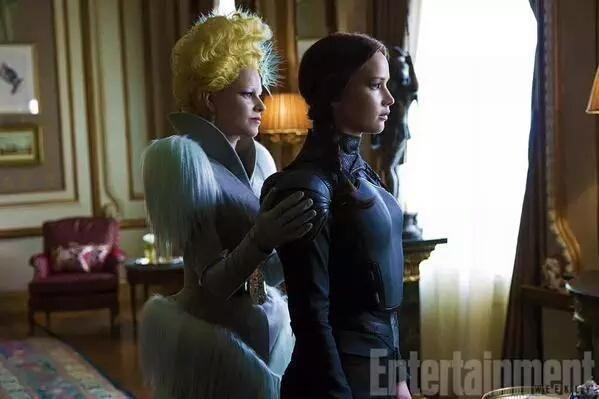 """Nuevo still de Jennifer Lawrence como Katniss Everdeen en """"Sinsajo Parte 2""""."""