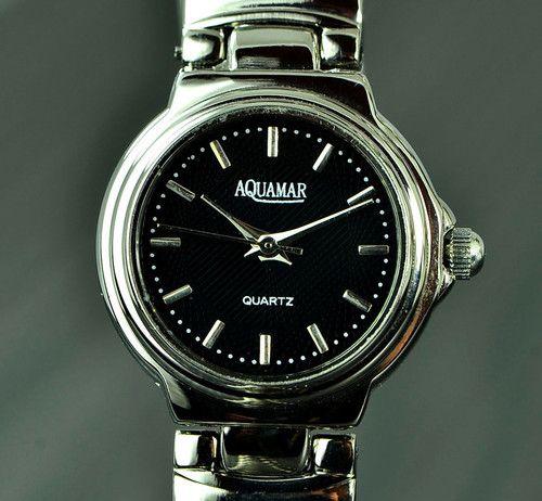 Damen Uhr mit schwarzen Zifferblatt