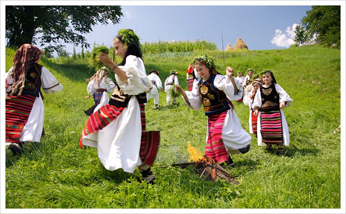 August 21 Ocna Sugatag (Maramures), Festival of Goulash (Beef Stew with Paprika) and Plum Brandy (Festivalul Gulasului)  Romania's Festivals and Events