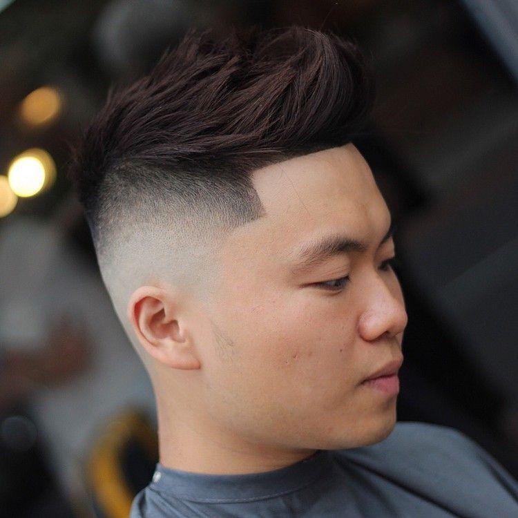 coupe de cheveux homme tendance fade moderne mèche crêpée look sans barbe  hairstyle