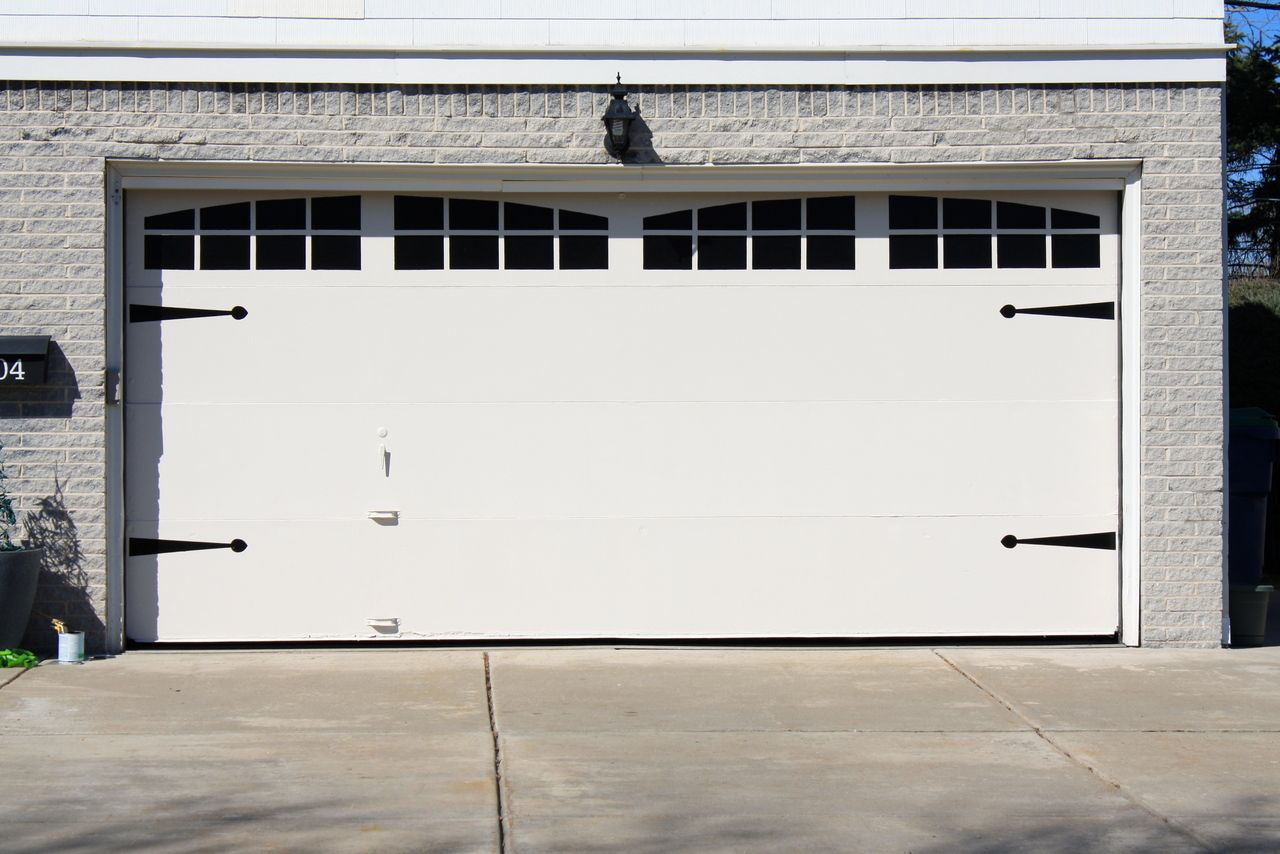 Paint Faux Windows On Your Garage Door With Frogtape Frogtape Earn Your Stripes With Images Garage Doors Garage Door Makeover Doors