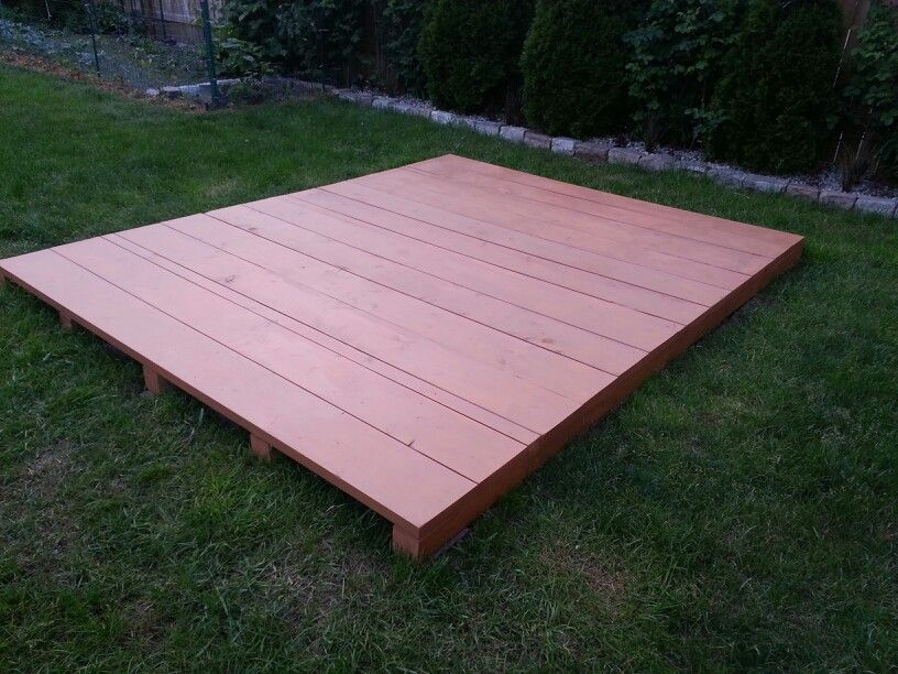 Free Floating Pallet Deck Backyard