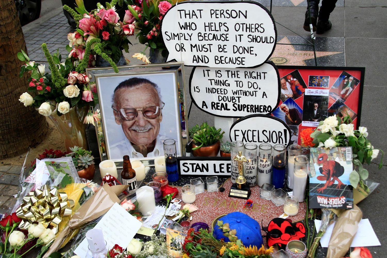Jego Komiksy Czytal Nawet Ronald Reagan Dobry General Stan Lee Spiderman Stan Lee Marvel