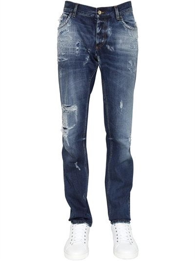 DOLCE   GABBANA 17CM GOLD FIT DESTROYED DENIM JEANS, BLUE.  dolcegabbana   cloth  jeans f894087158c1