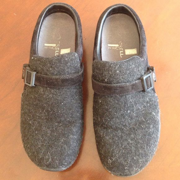 """Merrell OrthoLite """"Encore Groove Black Wool"""" Shoes Used but lots of wear left, these Merrill wool slipons have OrthoLite comfort foam insoles to keep your feet comfortable all day long! Sold as-is (I'm not deep cleaning them). Make an offer- Merrell Shoes Mules & Clogs"""