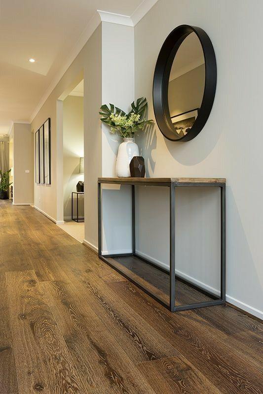 Schöne Kombination aus Spiegel + Tisch + Vase - Wohnaccessoires Blog #decorationentrance