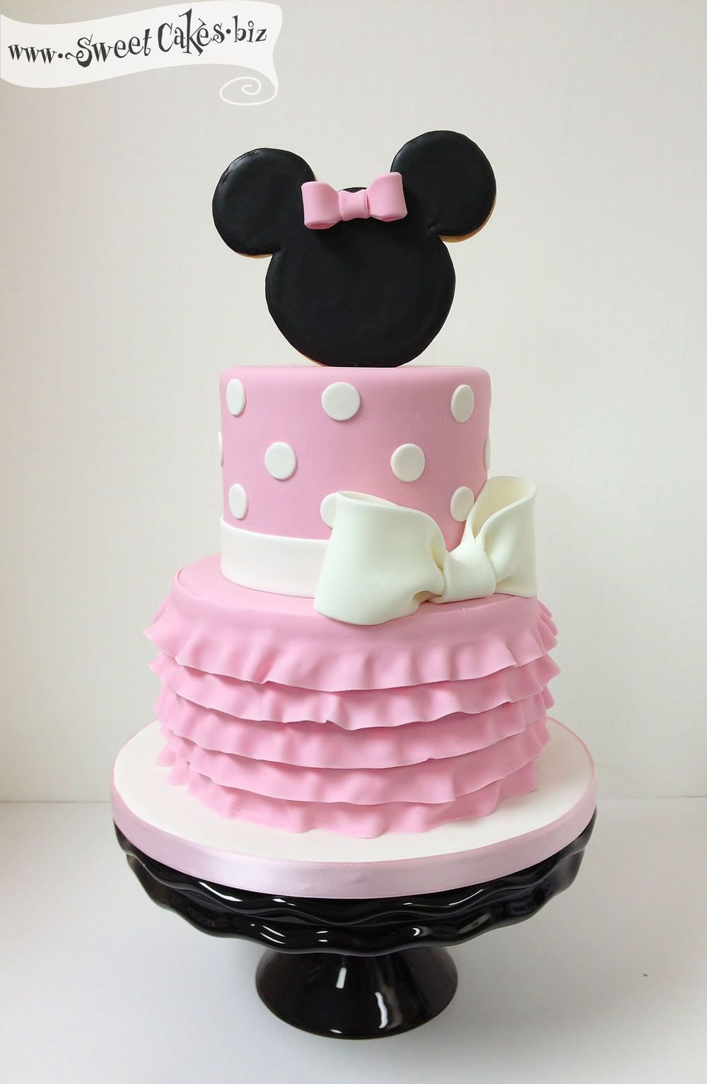 minnie mouse buttercream cake google search. Black Bedroom Furniture Sets. Home Design Ideas