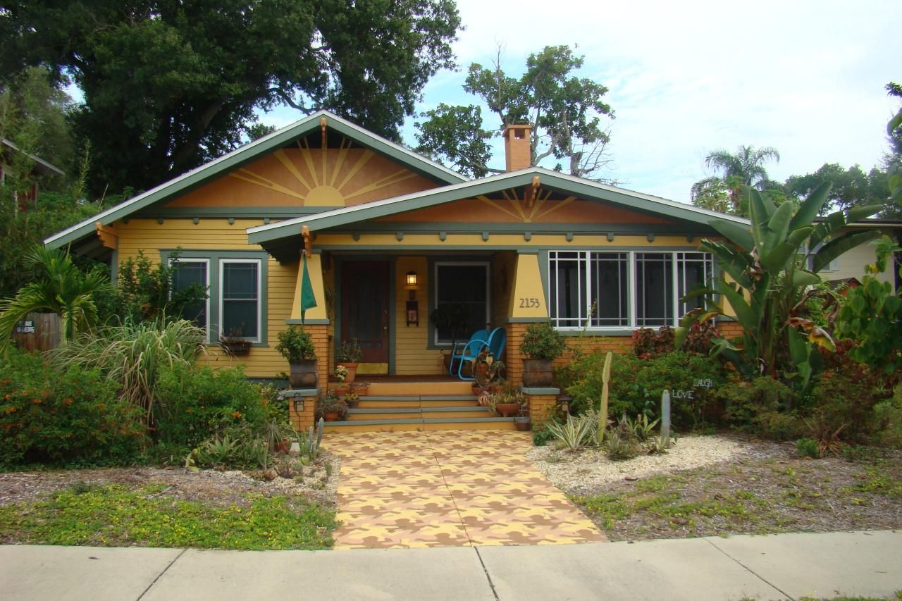 Beautiful bungalows bungalow hgtv and craftsman for Craftsman beach house