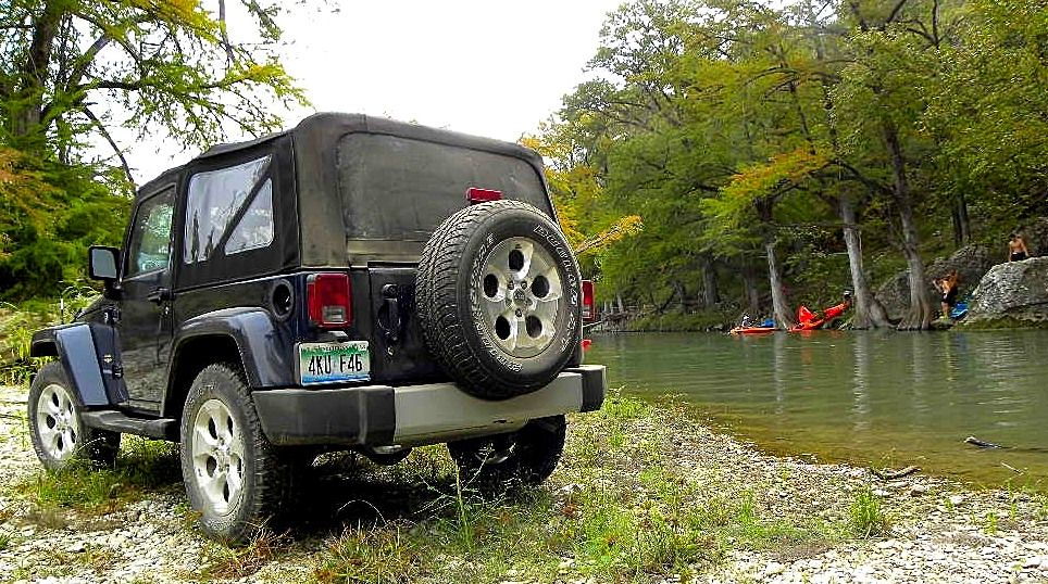 2013 Jeep Sahara 4X4 at the river on Knibbe Ranch near San Antonio.... quick stop on the extreme off-road course to check how the fishing was going