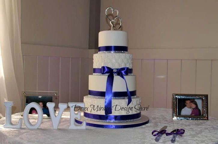 Gâteau De Mariage Blanc Et Bleu Royal Blue And White