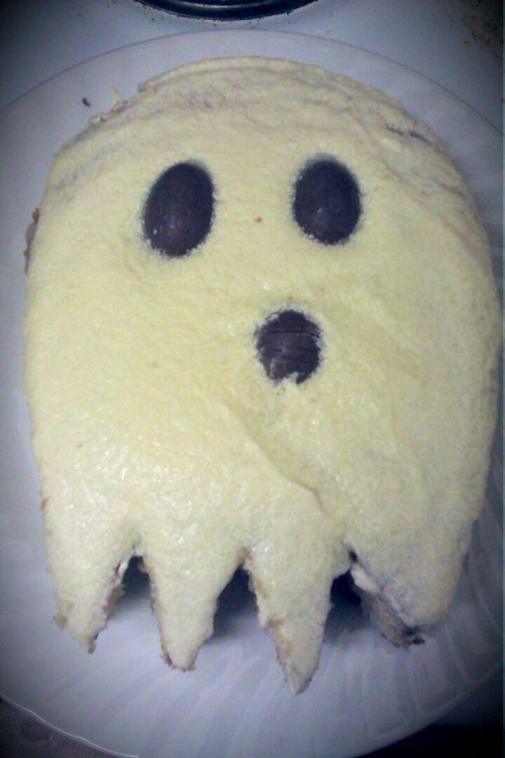 Lemon ghost cake for halloween #baking