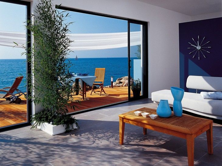 baie vitr e coulissante baie vitr e coulissante en aluminium avec vue sur mer baie vitr e. Black Bedroom Furniture Sets. Home Design Ideas
