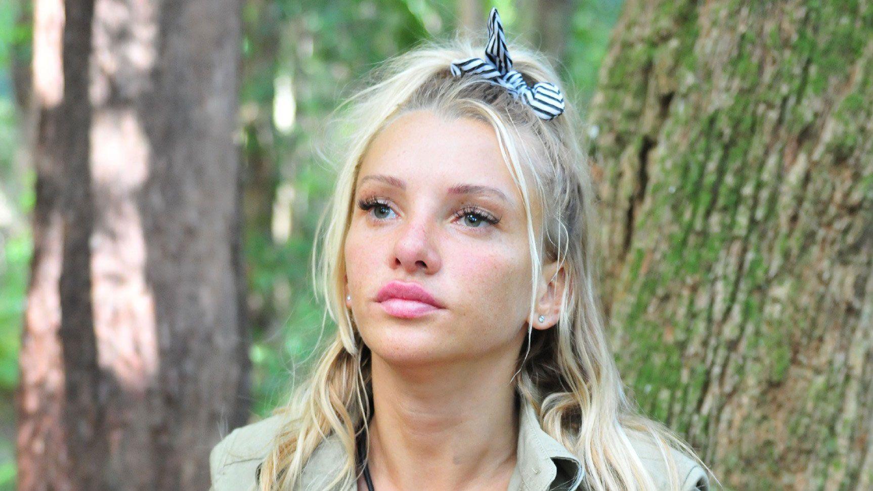 Evelyn Burdecki Heimlicher Freund Finanziert Ein Millionar Ihr Leben Evelyn Burdecki Dschungelcamp Dschungel