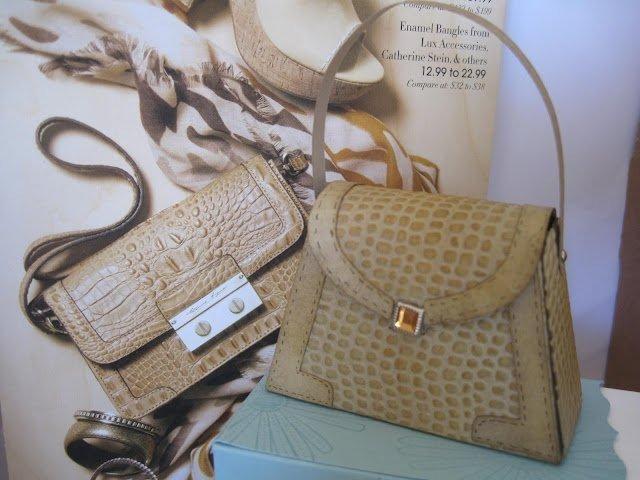 Great faux alligator!  stampingdoc.blogspot.com