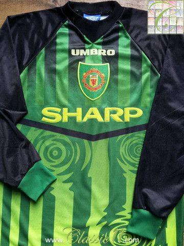 1997 98 Man Utd Goalkeeper Shirt Y Goalkeeper Shirts Football Shirts Manchester United Football