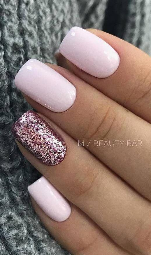 40 Cute And Beautiful Glitter Nail Designs Ideas For Summer Page 19 Of 40 Daily Women Blog Gelnails Nail Designs Glitter Simple Nails Shiny Nails Designs