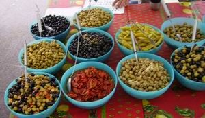 Olives & Things, Winchester: Freshly prepared olives in homemade marinades using homegrown herbs, sundried tomatoes, vine leaves, chillies, garlic and biltong
