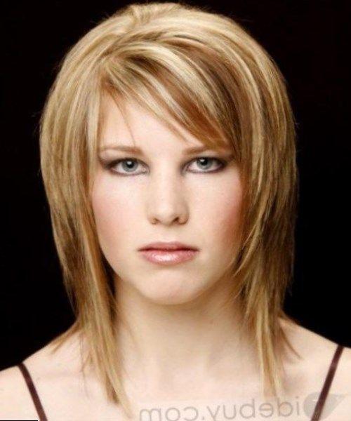 Modele de coiffure cheveux mi long dégradé https