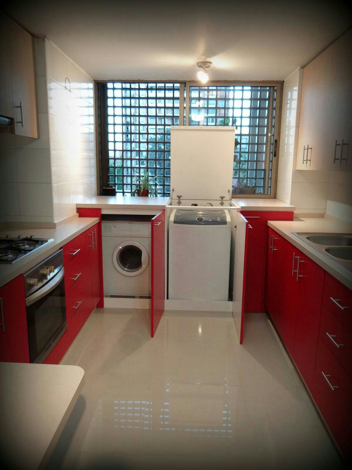 Zona de lavanderia laundry nook room design kitchen red cabinets also rustic interior ideas pinterest rh