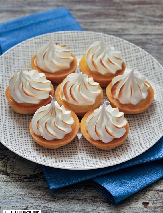 Meringue-Tarteletts with Passion Fruit Curd, Recipe with Video by Nicole Stich (delicious:days)
