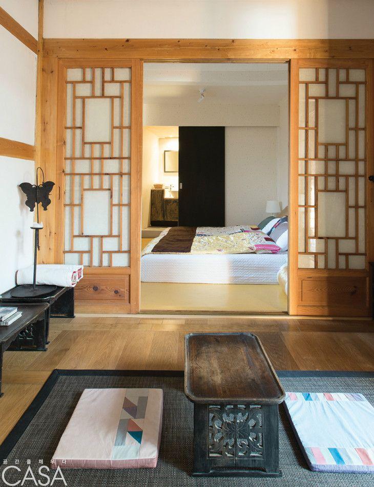 Traditional Living Room With Modern Twist 한옥 modern twist on a hanok | my korean dream home | pinterest