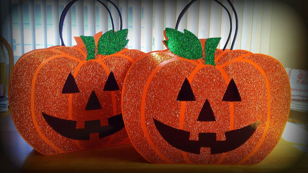 PAPYRUS Halloween Large Jack-O-Lantern Orange Glitter Gift Bags - Lot of 2…
