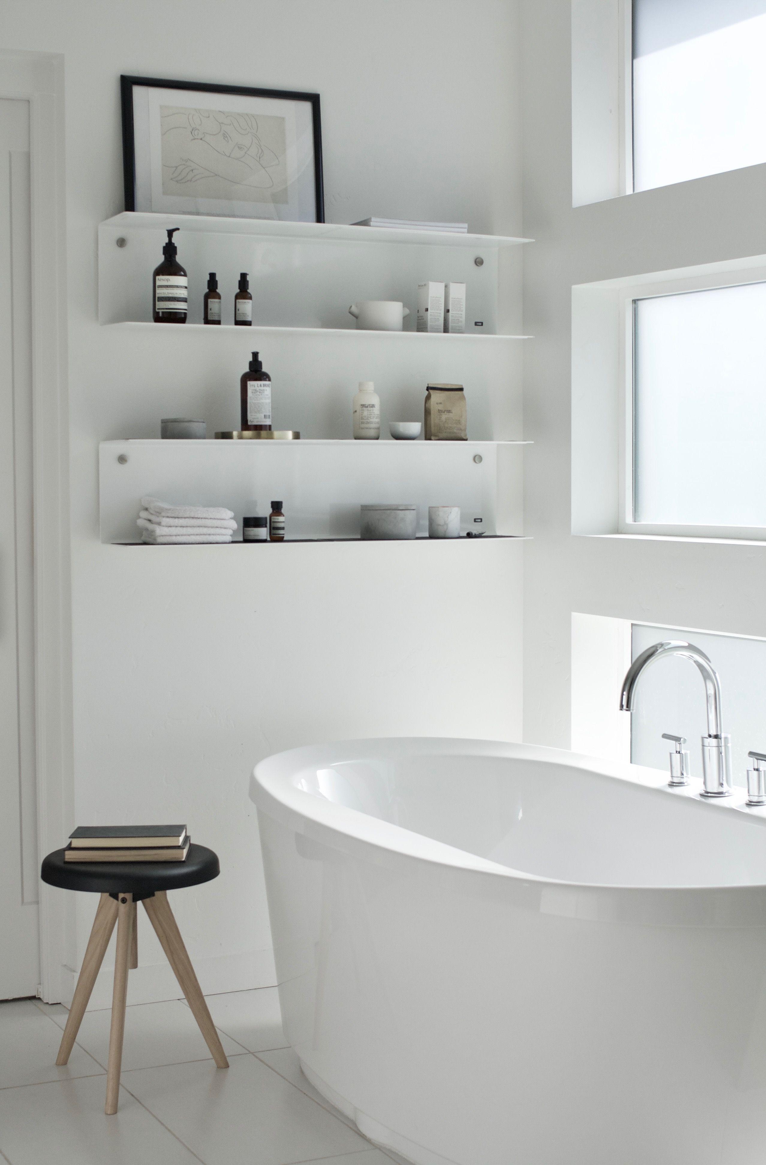 Vipp In Kenziepoo Home In 2020 Bathroom Styling Minimalist Bathroom Bathroom Decor